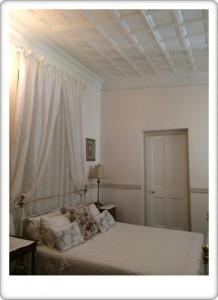 Greendoor Cottage4 old ceilings