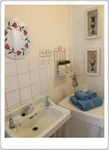 Greendoor Cottage7 bathroom details